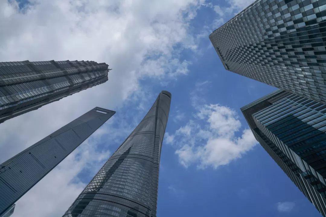 陆家嘴金融中心 vs 华尔街:一个德行 - 骗子成堆 皮条成了生产力
