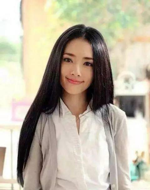 即使美艳如范冰冰和郭碧婷,有时候也会被这个发型拉低颜值分,更何况图片