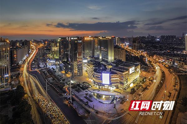 1996年,红星在湖南省率先成为了