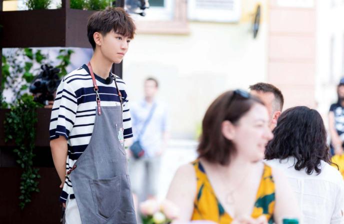如何评价王俊凯在中餐厅的表现,一个会做菜的大男孩真的很帅