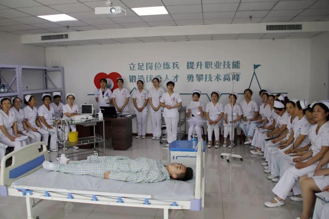 护理部组织开展心电图机使用及心电图机故障应急演练