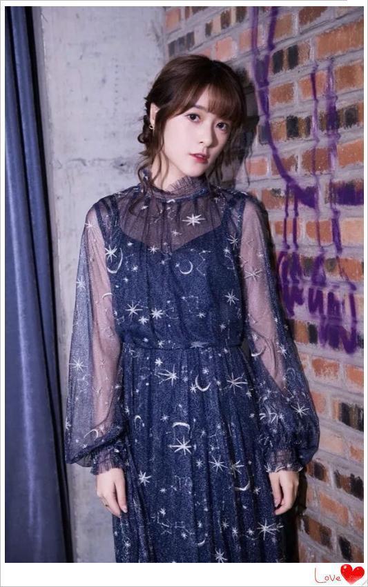当29岁杨颖与21岁徐娇同穿星空裙,才知道年龄真的骗不了人!