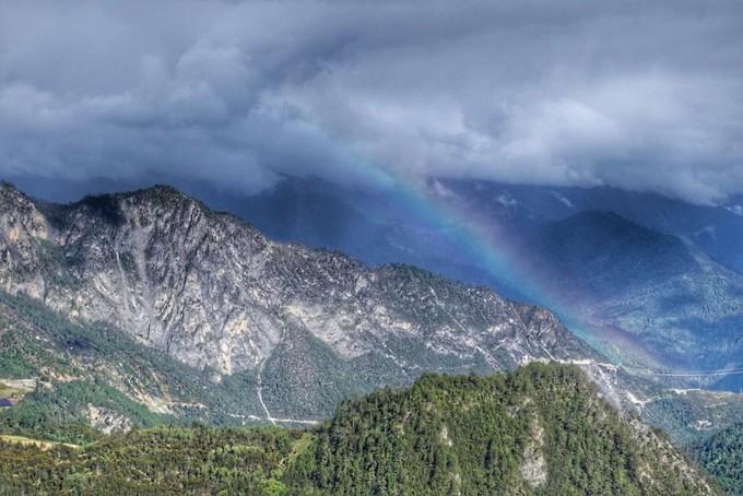 香格里拉在哪里啊_【组图】叁五好友去香格里拉,抓住彩虹的尾巴