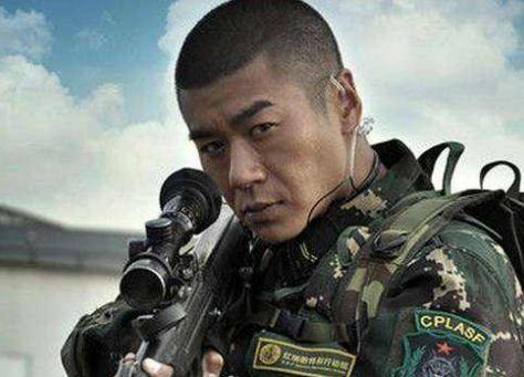 我是特种兵1老炮_是山狼老炮,曾经在拍完这部电视剧之后也是参演了特种兵第二部以及