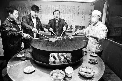 """网红大咖""""胡同里京味烤肉"""" 芜湖首家店铺即将开业!"""