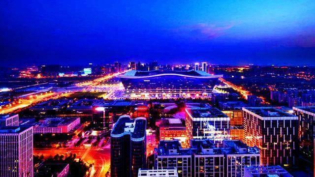 中国最大的省会, 比杭州 成都还大, 等于7个郑州, 却比沈阳发达