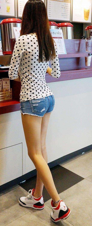 魅力时髦的热裤,质感穿出来,小姐姐好看又性感!