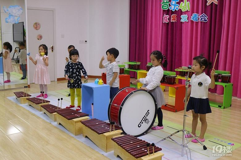 杭州音乐童年:从撒贝宁的成长看环境对孩子的重要性