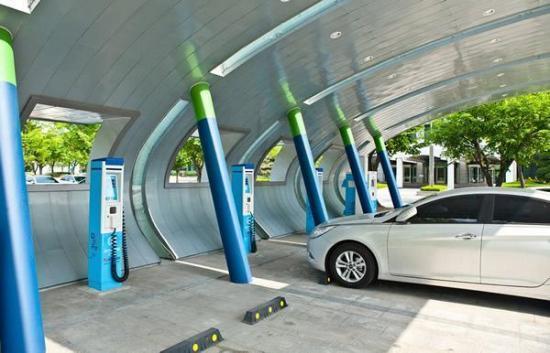 【新能源】已设立公共类充电桩27万个 7月全国电动汽车充电基础设施推广情