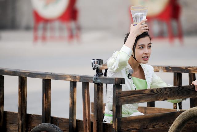 参加过《跑男》的5位女明星,热巴娜扎在列,最后一位已离开人世