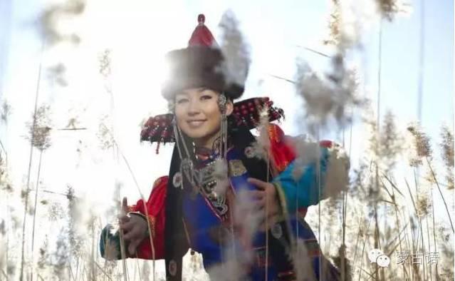 【丽人】温婉动人的蒙古姑娘-雪花新闻