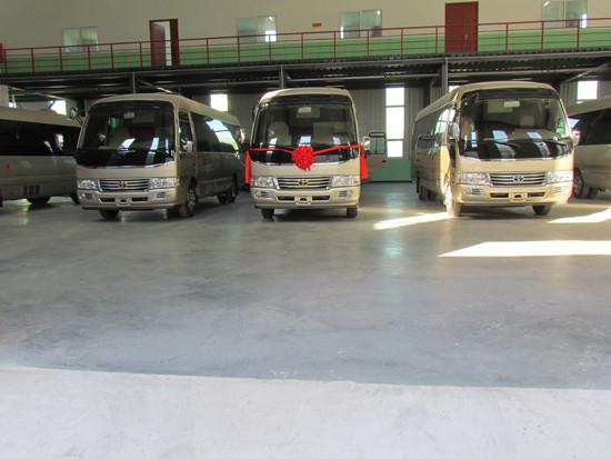 丰田考斯特9座和10座配置那些不同价格多少