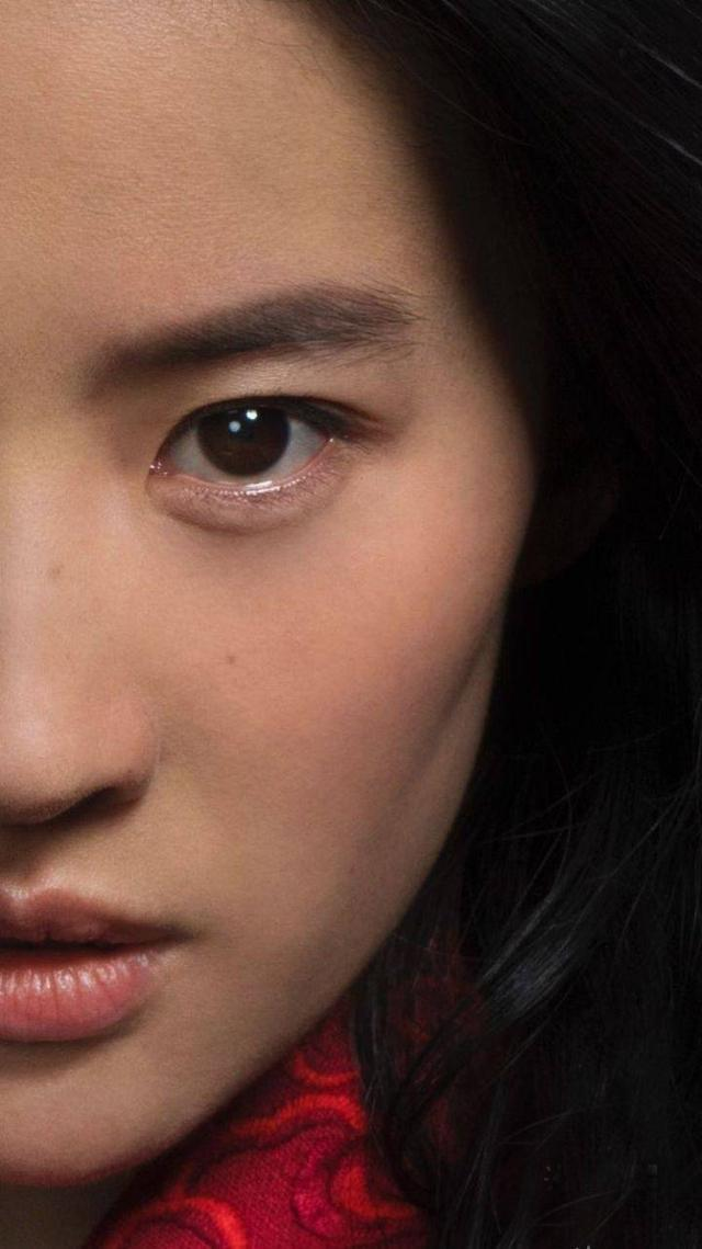 刘亦菲《花木兰》定妆照尴尬了!长发凌乱、连妆容也脏脏的?
