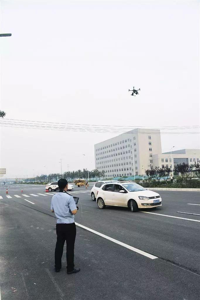 唐山警用器材店_唐山:专业级警用无人机将亮相交管一线!
