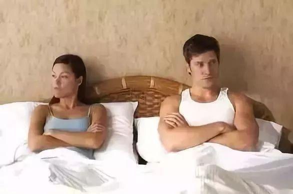 女阴比喷尿_很多人产后阴道松弛,或在打喷嚏或大笑时出现少量尿失禁现象,改善阴道