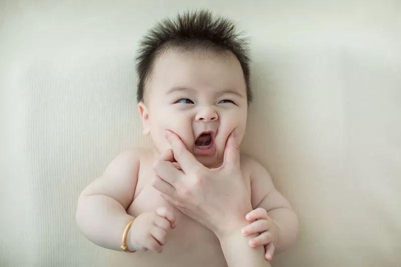 庆元这6个月的娃儿好萌,粉丝无数……