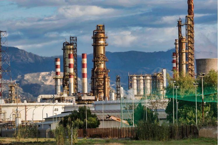 """伊朗宁愿折价向中国售油也不愿向美国""""妥协"""" 印度态度转变或再给伊朗一刀?"""