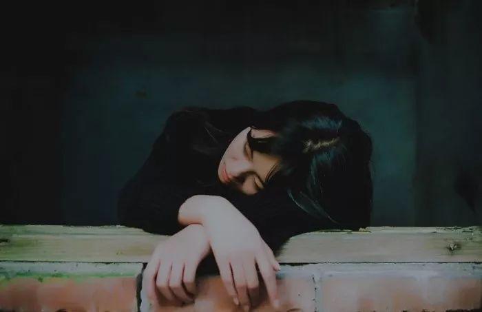 """""""如果这时候有人抱抱我,我是一定会哭一哭的。"""""""