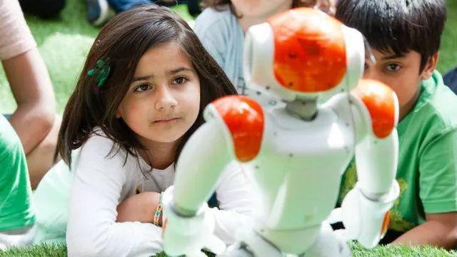 为了赢得AI比赛,美国需要更多的人才