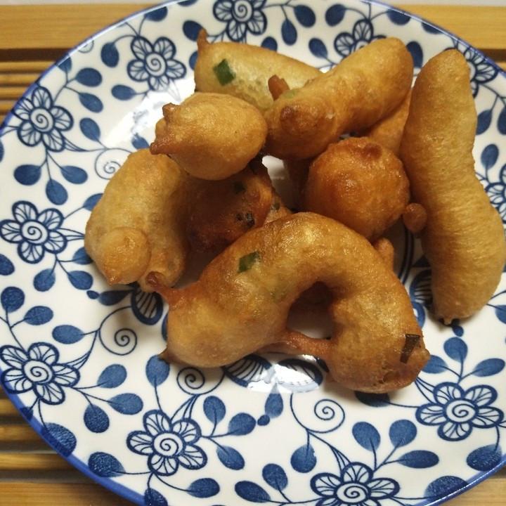 营养早餐做法,葱香椒叶小油条,外焦里嫩,咸鲜美味,简单易学