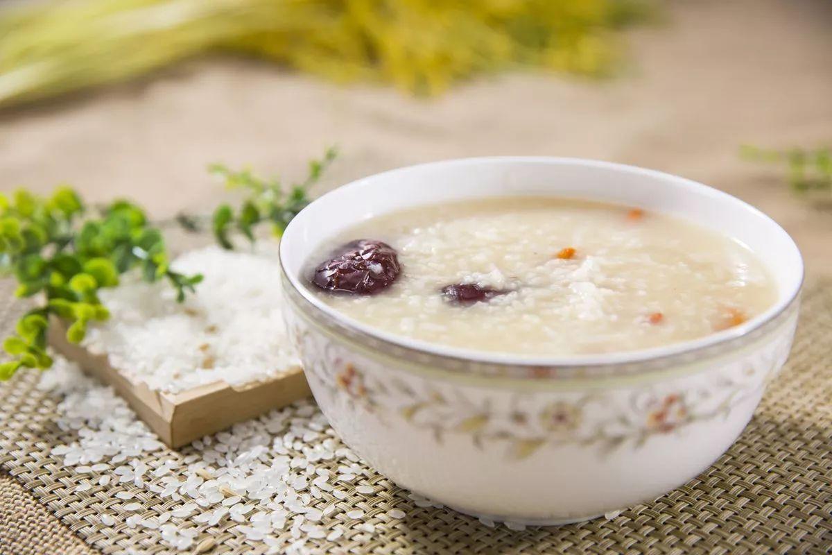 夏季喝这10种粥可养胃护胃,慢性胃病最适用宫廷菜谱书图片