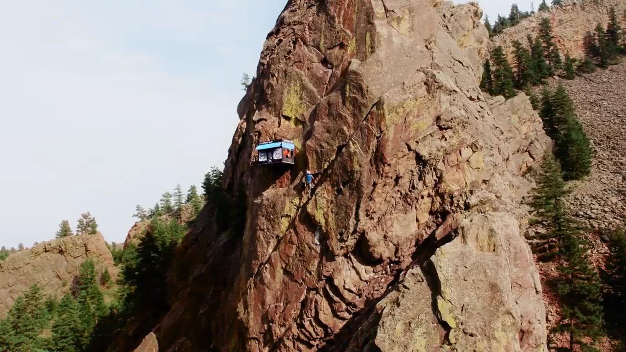 世界最危险的商店,建在了悬崖上,只要爬的上去东西免费拿
