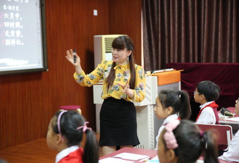 从师资薄弱到群星闪耀,这所学校的教师培养秘诀是什么?  头条