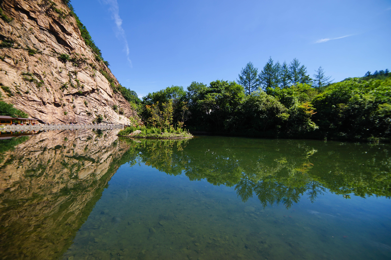 水不在深,有龙则灵,说的就是辽东大石湖