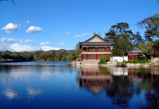 世界上最大的皇家园林,门匾上竟有错字,还没有人敢改,为何?