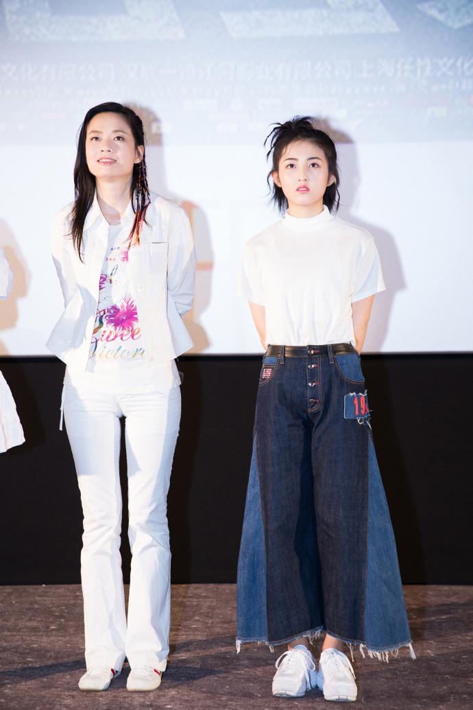 张子枫的造型选对了!扎起马尾可爱迷人,谁还敢说她是时尚黑洞?