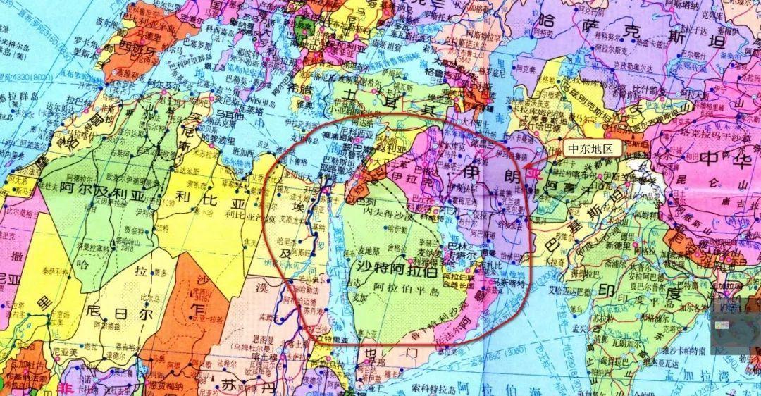 翻开世界地图,在欧亚大陆板块与非洲大陆的连接处,有一块伸向海洋的图片