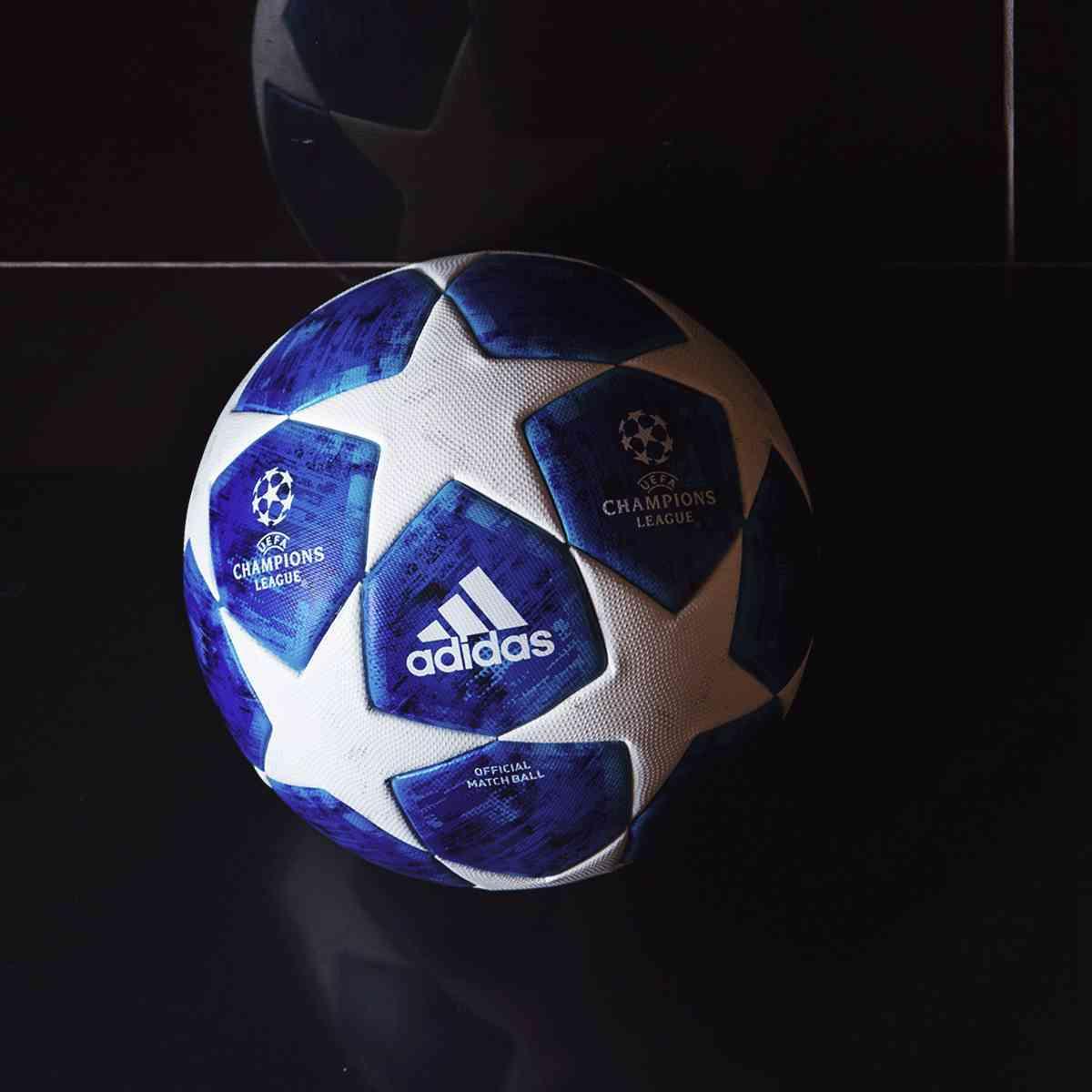 欧冠联赛全新官方比赛用球发布蓝底白星颜值高