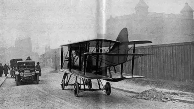 飞行汽车的照片 -5