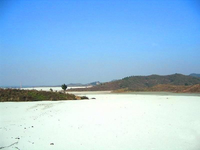 中国有一片银色大沙漠,沙子比大米还贵,曾遭日本人觊觎