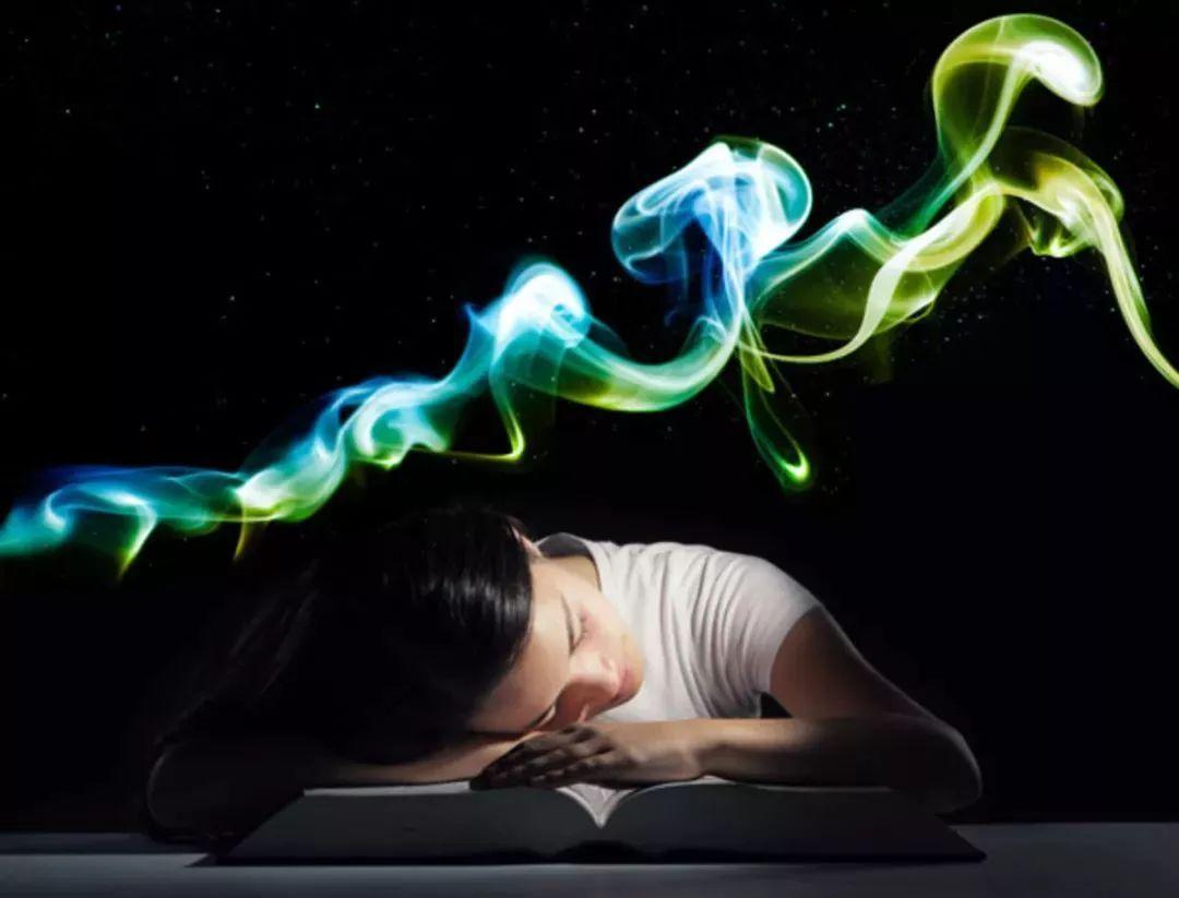 忙到停不下来的脑子,怎么可能有创造力