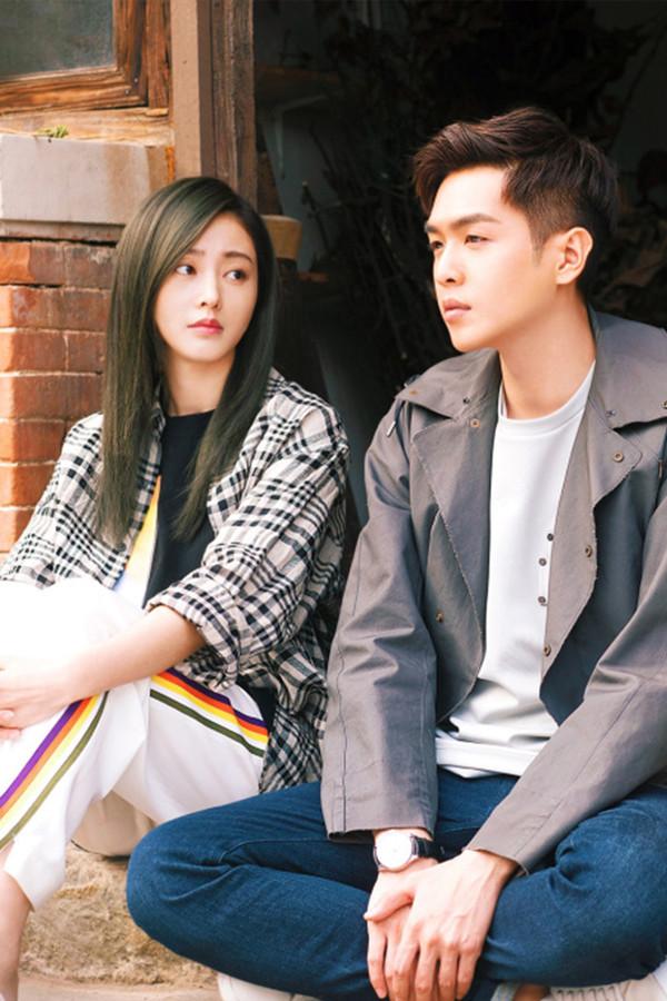 """偏分的张天爱是""""史上年龄最大的高中生"""",换了空气刘海嗲成少女,原来刘海真的可以决定颜值!"""