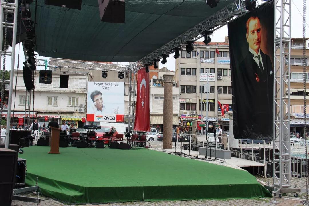 土耳其总统埃尔多安,从救世主到罪人只用十年