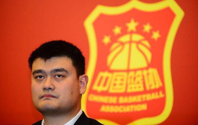 控卫不行还是杜峰不行!中国男篮2连败,3大弱点让姚明很无奈