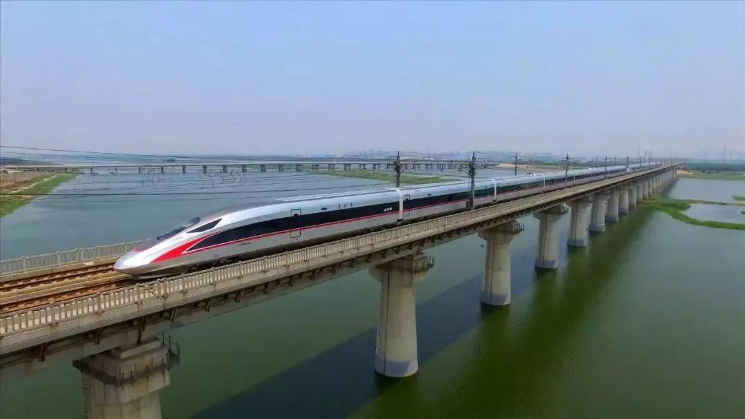 不只有渝万高铁,万州马上还要建成3条铁路!