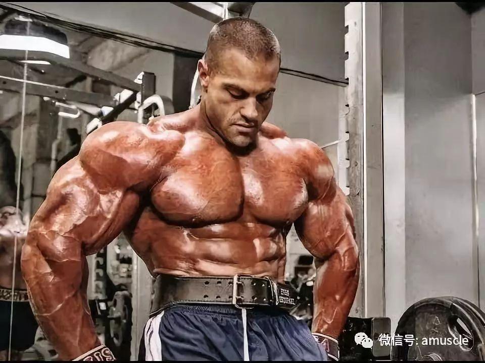 想胸肌像高手那么大,哪些技巧让成为卧推变大神技?