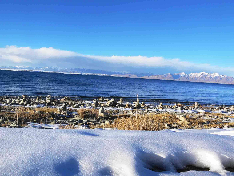 西藏这个湖生命绝迹,无风三尺浪,深度连专家都测量不出