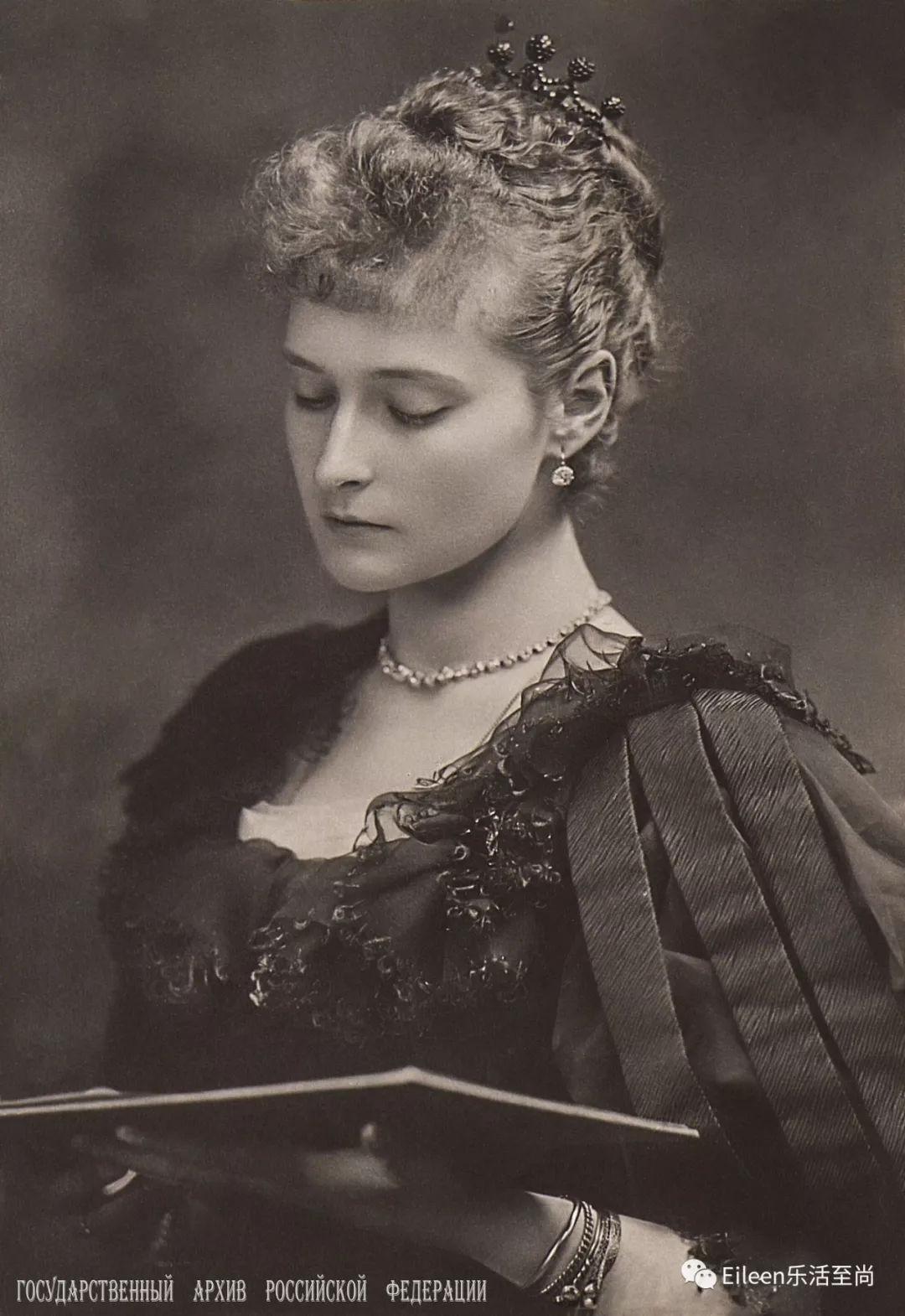 英王室的林黛玉,远嫁俄国成末代皇后,完美爱情难敌倾覆命运……
