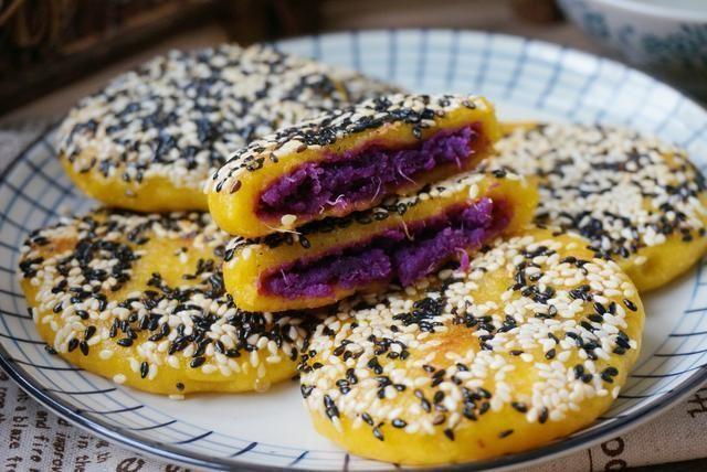美食推荐:紫薯饼的做法,热锅一烙,软糯香甜,价格便宜营养多