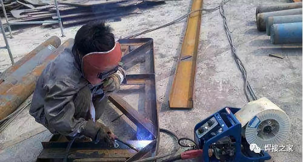 干焊接这么久你知道气保焊机面板上的收弧开关是干啥的吗?