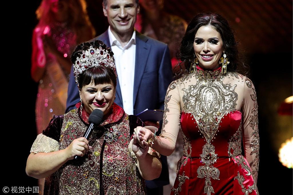 2018年俄罗斯小姐冠军出炉 华丽红裙登台女王气场