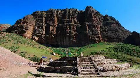新疆的这个地方有世界上都少有的岩画,太神奇图片