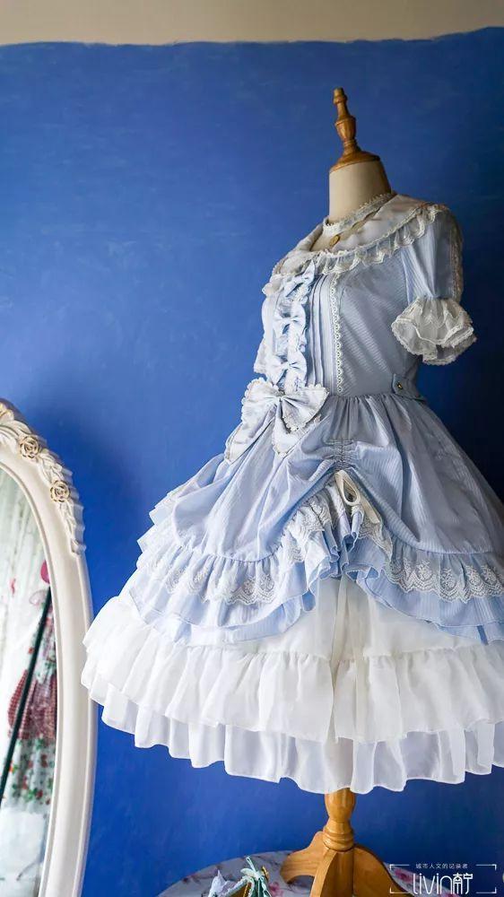 洛丽塔风格服装_黔君府是目前南宁唯一一家lolita实体店,古风古色的装修风格,门头