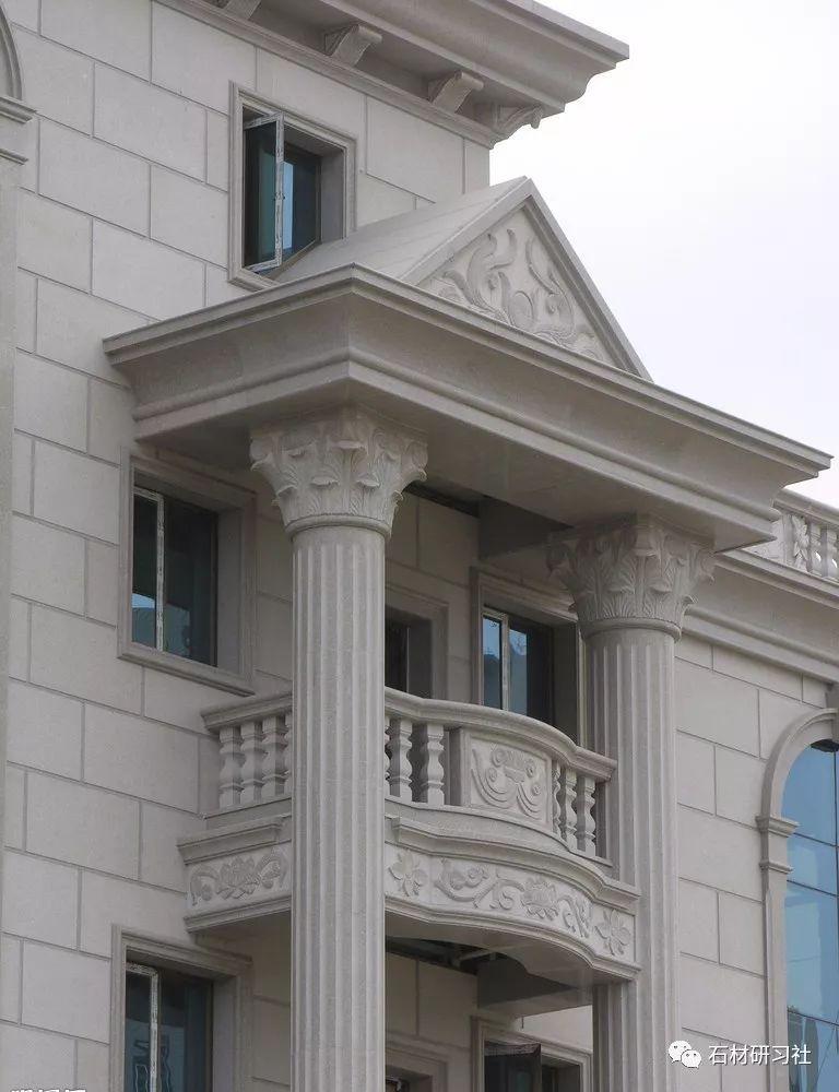 时尚 正文  对于欧式风格的建筑来说,门头也要符合整体风格的,比如图片