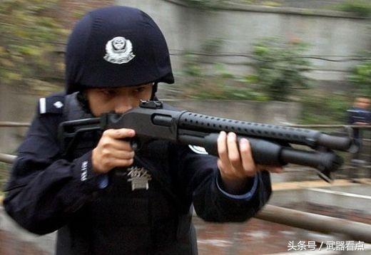 军事丨97式霰弹枪配有多种弹药,称为18.4mm口径枪弹来