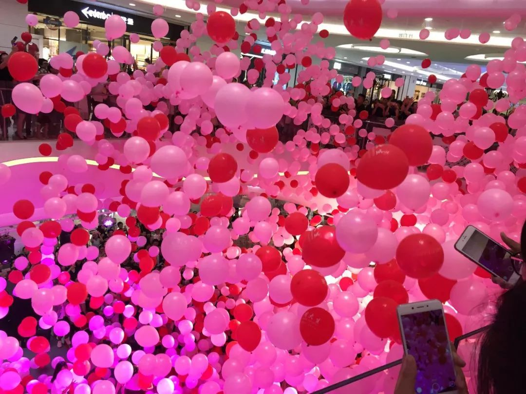 5000只粉色气球雨!北海宁步骤被挤爆了!工地春城图片